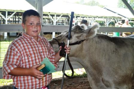 Ryan Lehn received the award for Champion Novice Showman.  Lehn is a second year member of the Liberty 4-H Club.